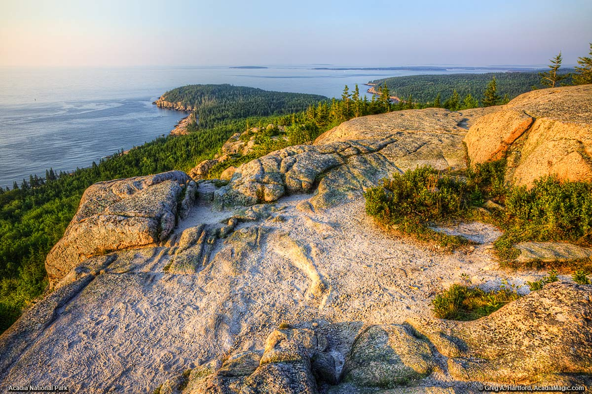 A sunrise view from Gorham Mountain in Acadia