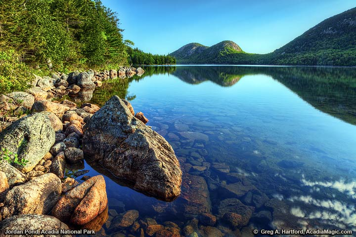 A view of Jordan Pond and The Bubbles in Acadia National Park