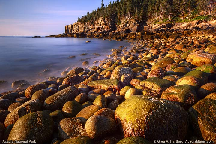 Otter Cliff with round boulders