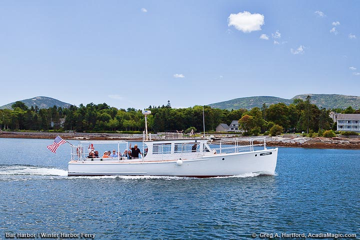 Winter Harbor Ferry returning to Bar Harbor