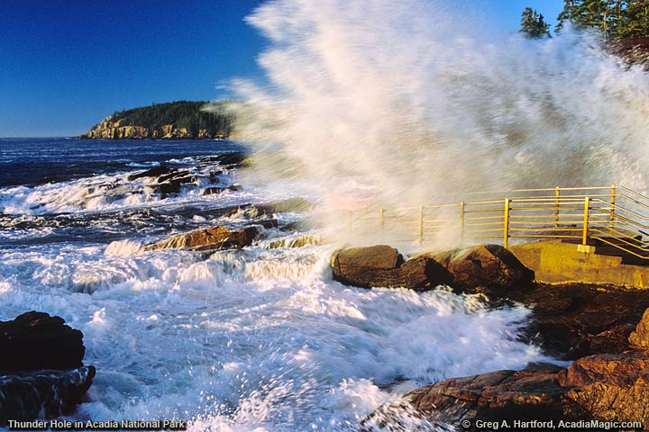 Crashing Wave hits Thunder Hole