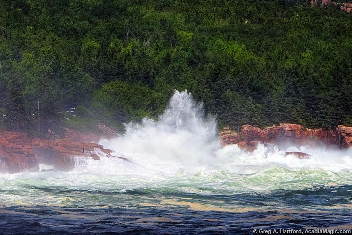 Huge ocean wave slams into coast at Thunder Hole in Acadia