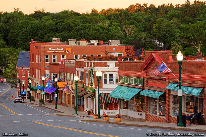 Ellsworth Maine Main Street At 5 00 Pm